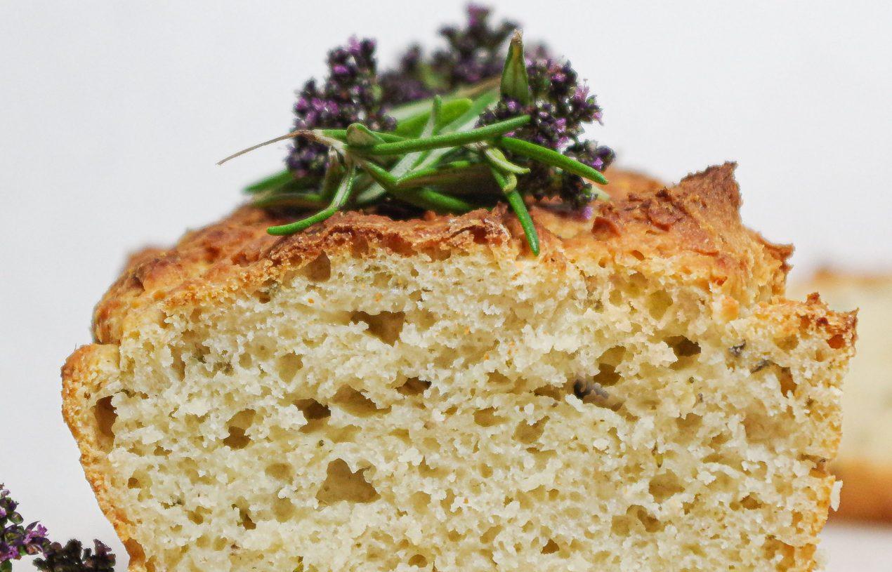 Rosmarin-Kartoffelbrot mit Feta