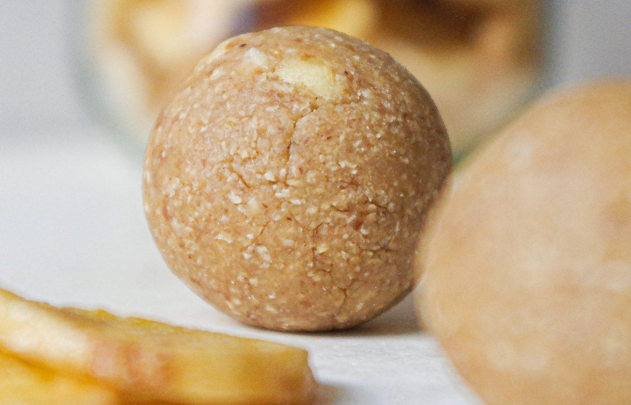 Erdnuss-Bananen-Blissballs