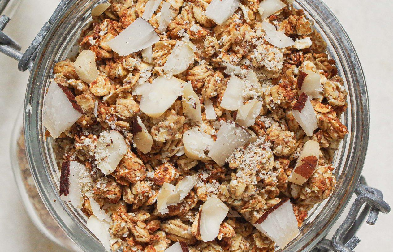 Crunchy Haselnuss-Granola